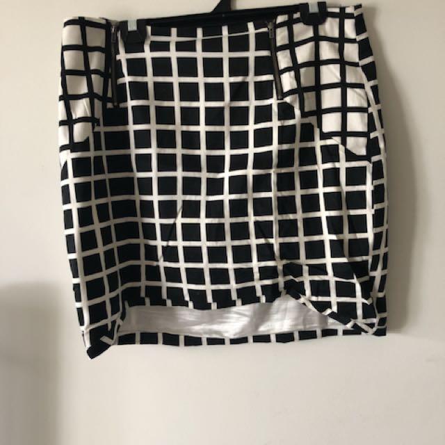 Portmans Checkered Skirt 14/16