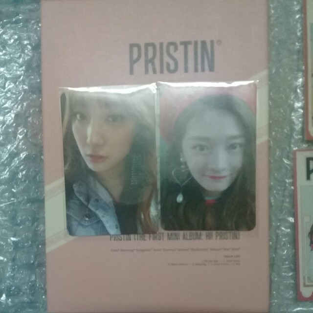 PRISTIN ELASTIN VERSION ALBUM WITH PHOTOCARDS.