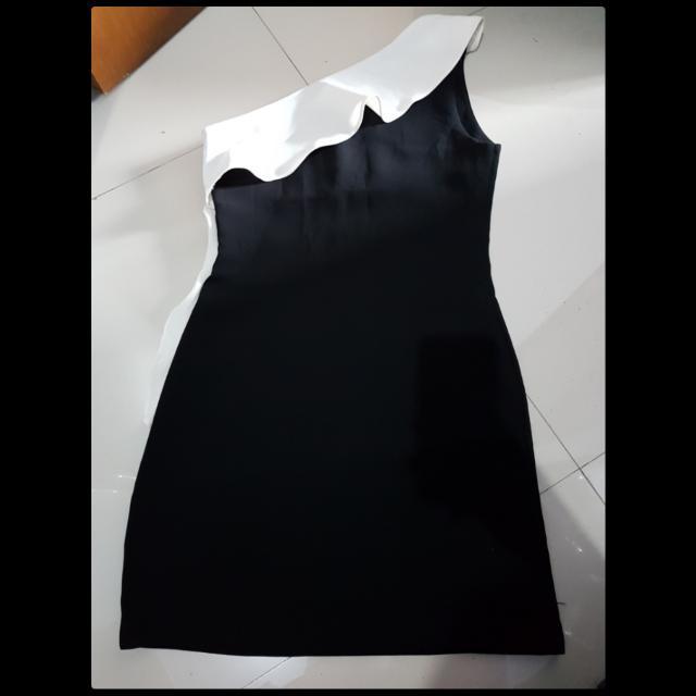 Sabrina minni dress