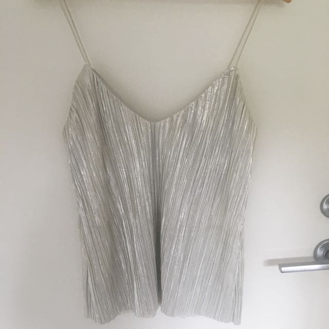 Silver textured top