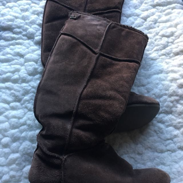 Size 6 Brown suede boots