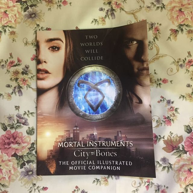 The Mortal Instruments : City of Bones Official Illustrated Movie Companion