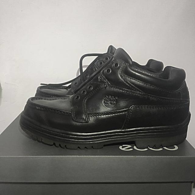 Timberland 黑色皮靴