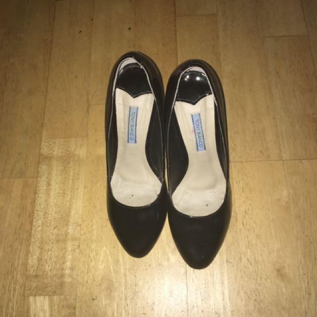 Tony Bianco Karr Patent Black Heels *size 6*