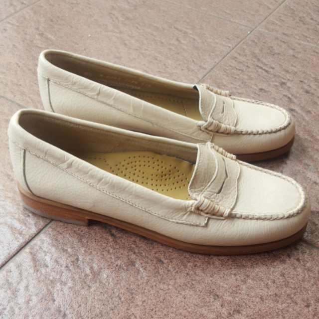 Weejuns Nude Loafer
