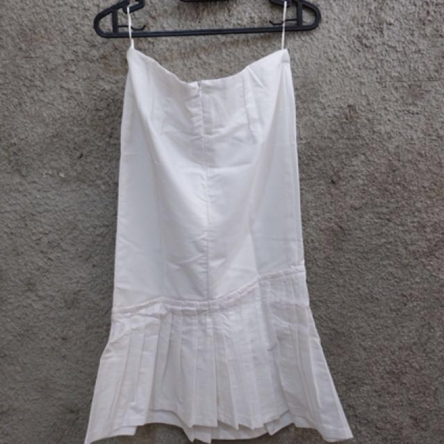White skirt midi edgy murah