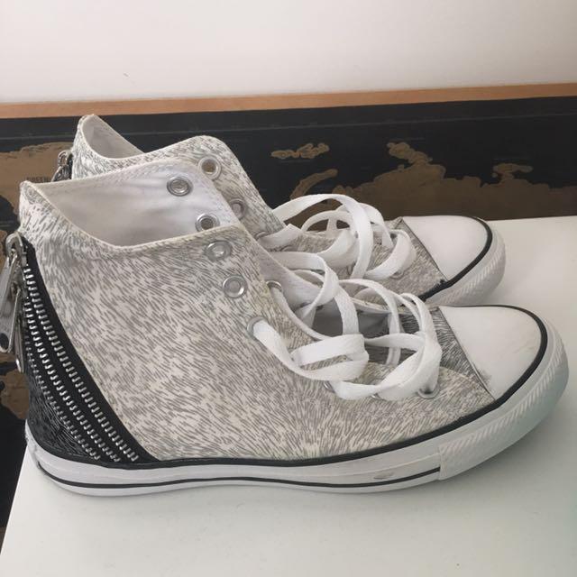 Women's Converse shoes size euro 39