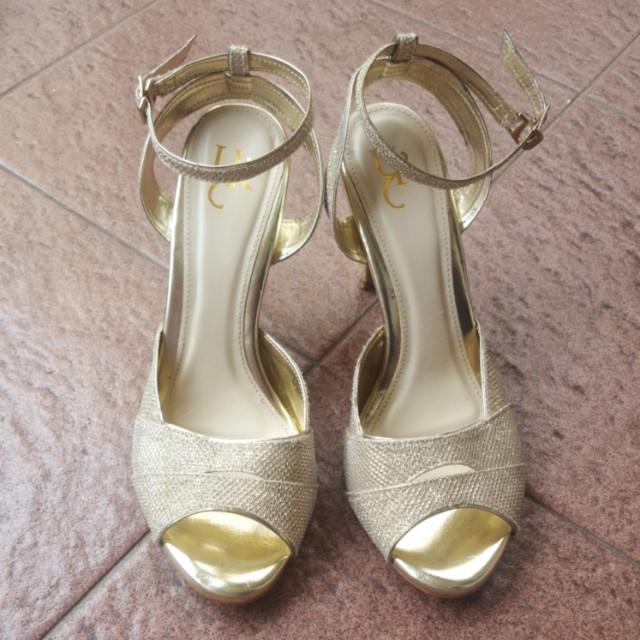Yongki Komaladi Goldie Heels
