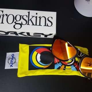 BRAND NEW** Valentino Rossi 46 Oakley Frogskins