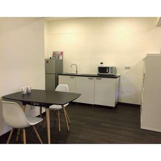 Toh Yi Furnished Studio Suite with Ensuite attached Bathroom & Pantry. Walk to Beauty World MRT