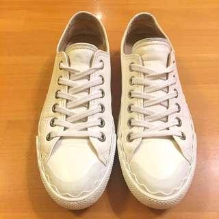 Chloe scalloped sneakers in size 40