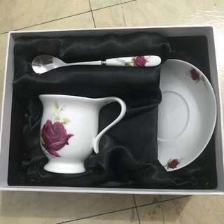 Tea set bunga