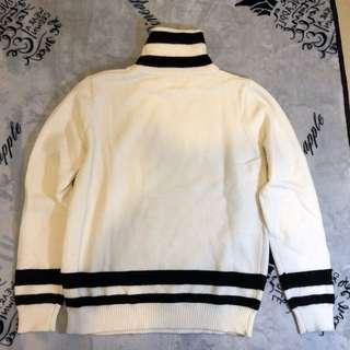 白色黑色間冷衫
