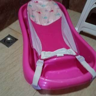 Newborn to Toddler Bath Tub