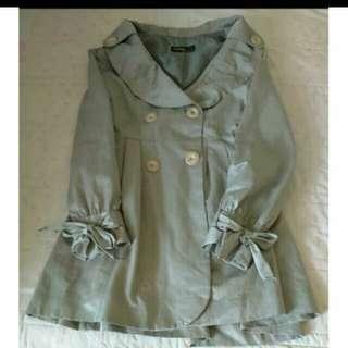 香檳金淑女風格蝴蝶結雙排扣風衣外套