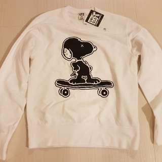 Uniqlo x Kaws Snoopy sweater