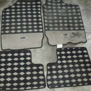 Carpet checker hitam gino
