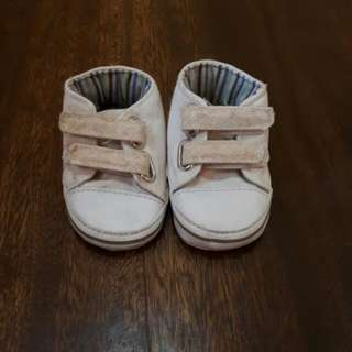 White shoe for boy