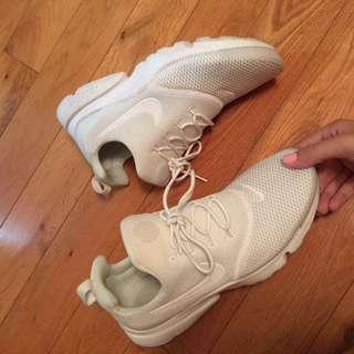 Nike Presto Fly - WHITE
