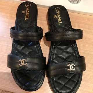 黑色平底涼鞋39