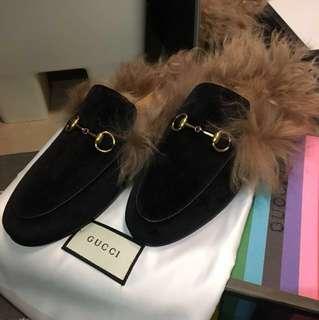 Gucci 黑色絲絨毛毛拖鞋 fur slippers