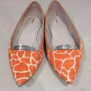 MIMCO Size 38 Burnt Orange Print Leather Flats
