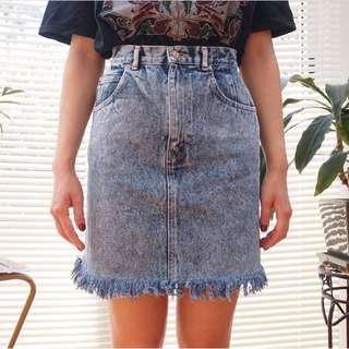 Vintage Acid Wash Frayed High waisted denim skirt