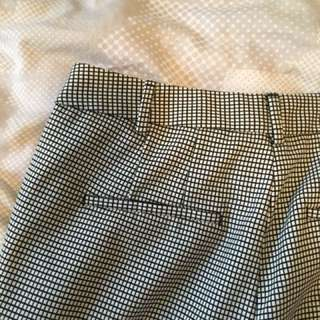 Zara trousers size 6 (34 euro)