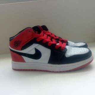 Girls Air Jordan black toe