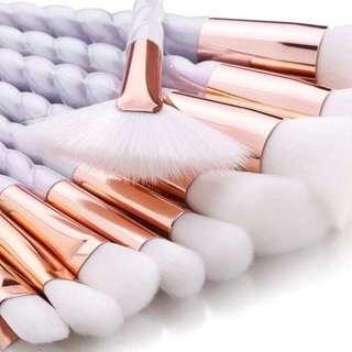 Pearly White Unicorn Makeup Brushes