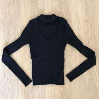 Alive girl - chocker collar sweater