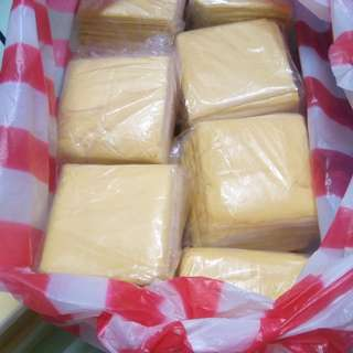 Sliced cheddar cheese