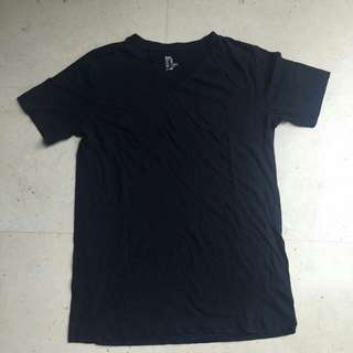 BN H&M NAVY V NECK