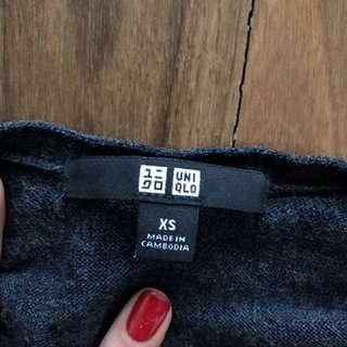 Uniqlo v-neck sweater