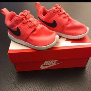 (P) Authentic Nike Baby Shoe