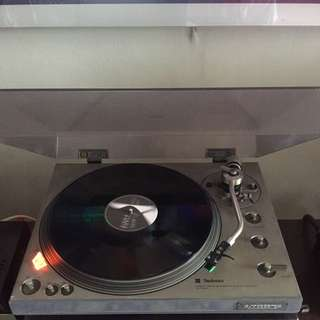 Technic SL 1300 Turntable With Audio Technica Cartridge