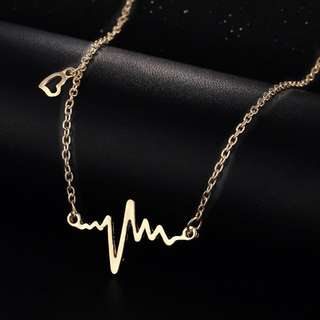 [INSTOCK] Wave heart & Gold Heartbeat Pendant Necklace