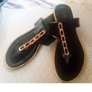 Follie Black Sandal