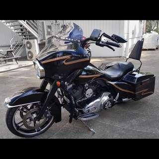2027 Harley Davidson Street Glide (FLHX)