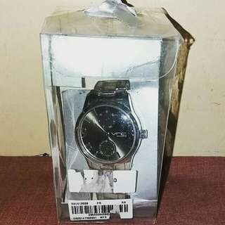 VnC woman watches