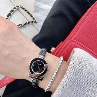 Authentic! Ferragamo Bracelet Watch ! 手錶
