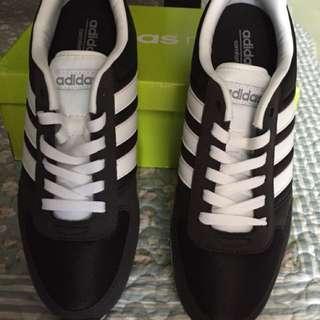 Adidas sepatu