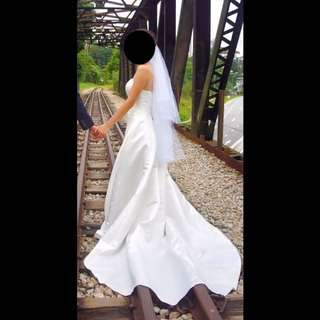 Wedding gown/dress with veil