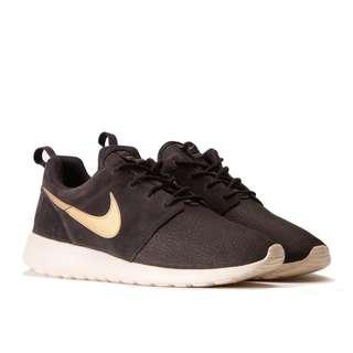 Nike Roshe run Suede brown/gold 685280-273