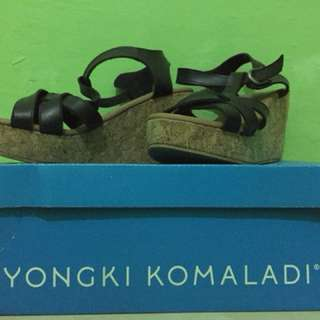 Wedges yongki komaladi uk.36