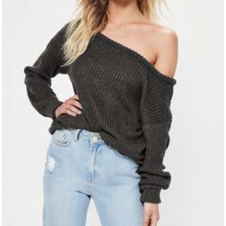 Misguided off the shoulder sweater size 4 (36) OVERSIZED