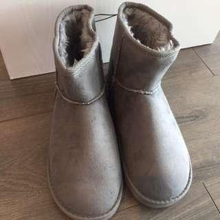 購自日本 全新超暖毛毛短靴 boot