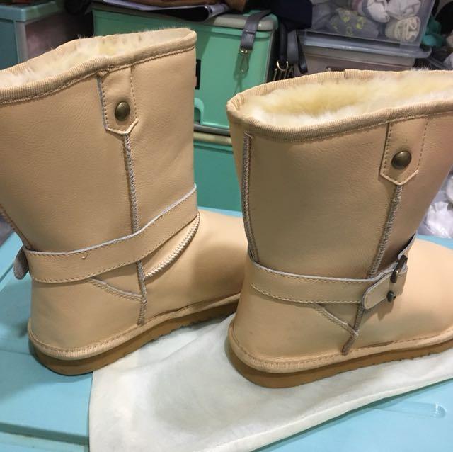 便宜賣保暖靴子