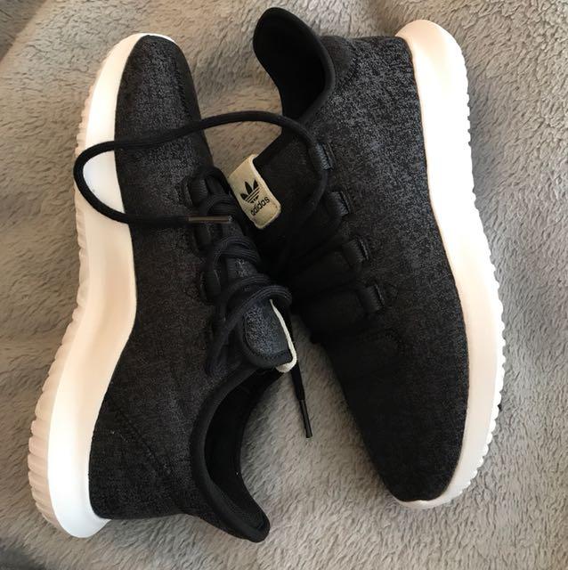 Adidas tubular size 8