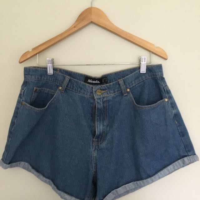 Afends Shorts size Au 14